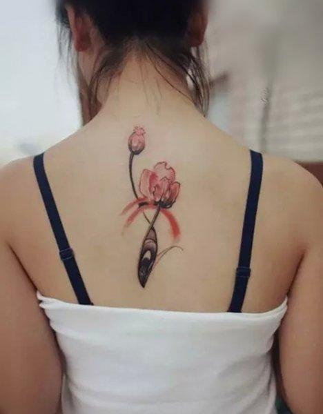 有著致命诱惑的罂粟花纹身图片